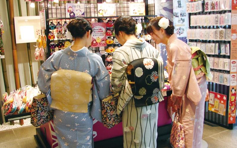 關於日本的超驚奇冷知識,日本傳統女生穿和服時竟不穿OO!  -